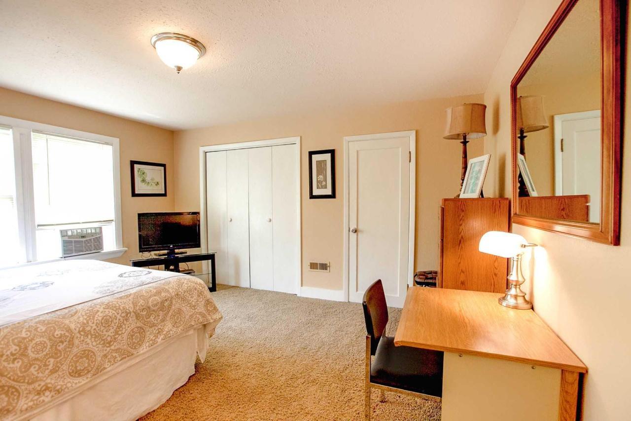 Sacagawea Guestroom.jpg