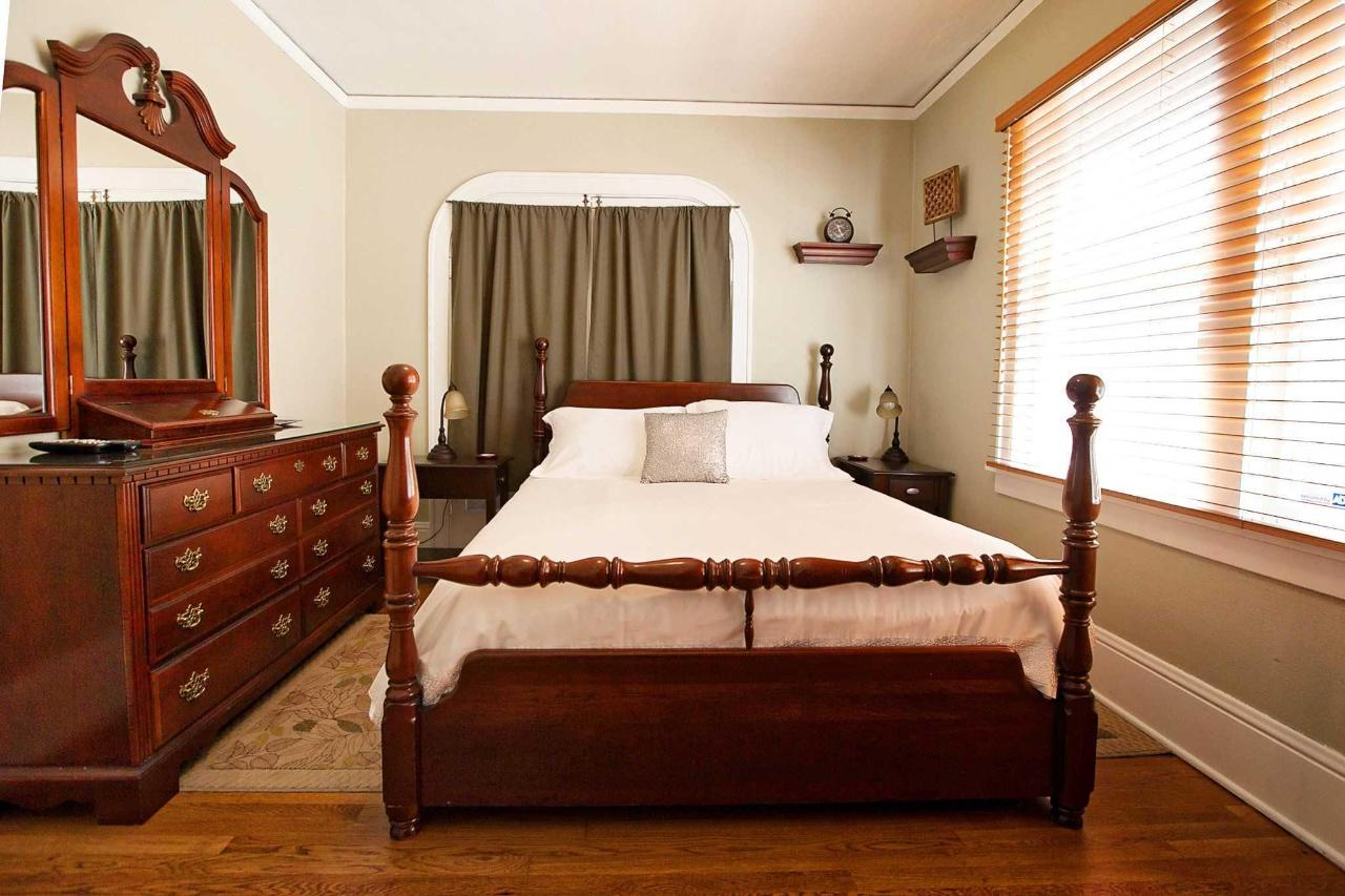 Lewis and CLark Guestroom with Broyhill Dresser Set and Ceiling Fan.jpg