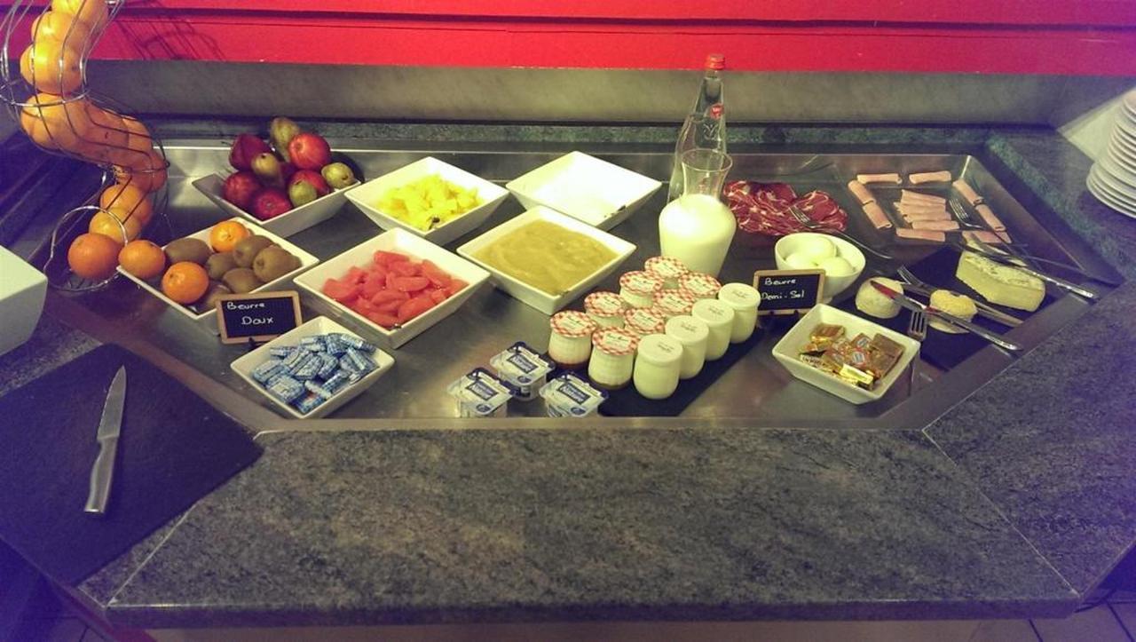buffet-petit-d-a-jeuner.jpg.1024x0.jpg