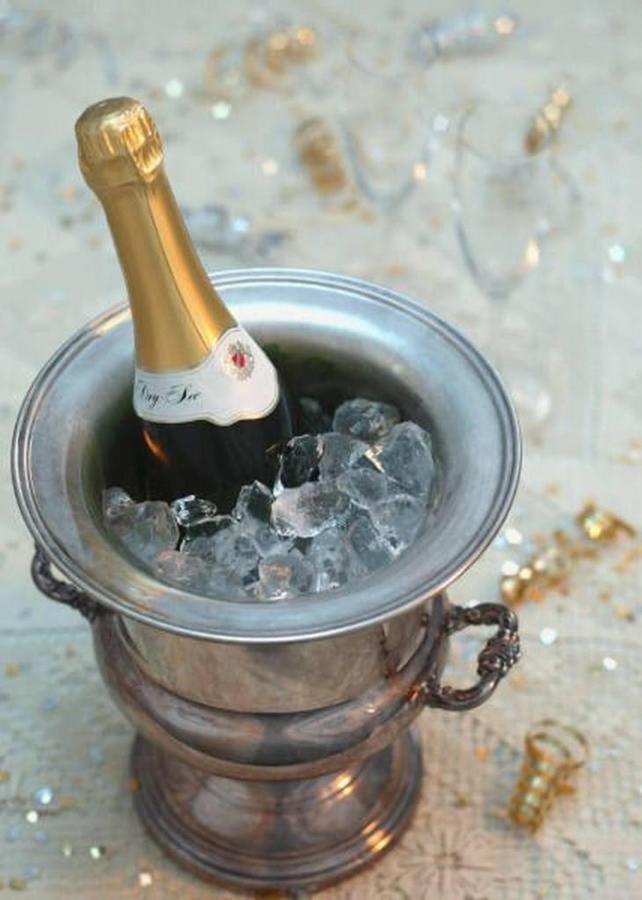 champagne.jpg.1024x0.jpg