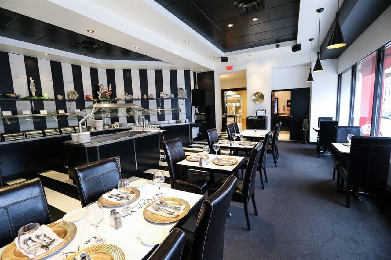 h-a-tels-gouverneur-trois-rivi-a-res-restaurant-le-rouge-vin.jpg.1024x0.jpg
