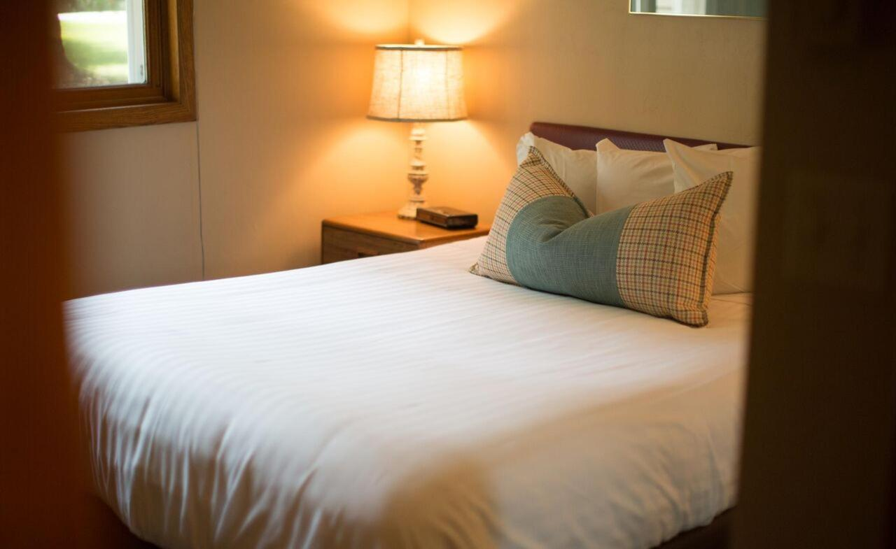 suite-bedroom-cm-1.jpg