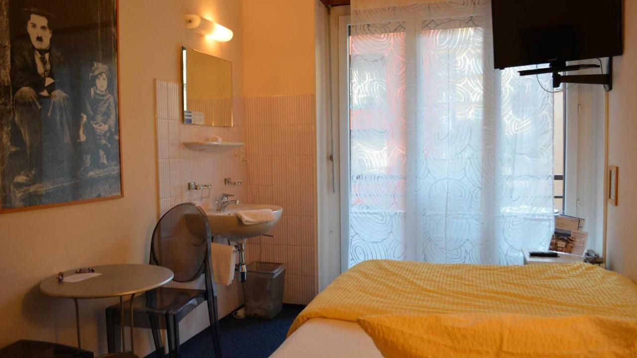 camera bagno esterno.jpg