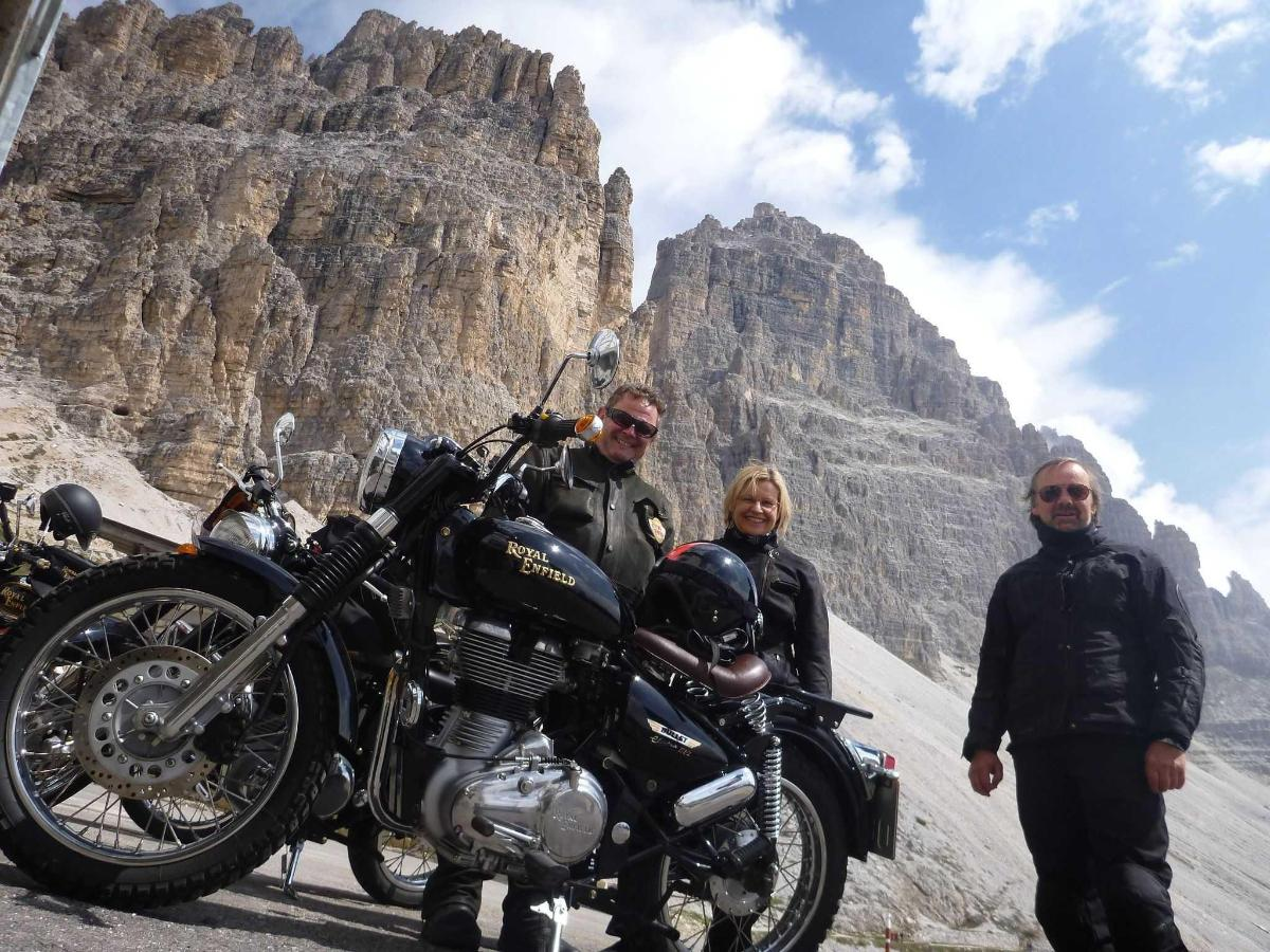 Royal Enfield Club Dolomiti.JPG
