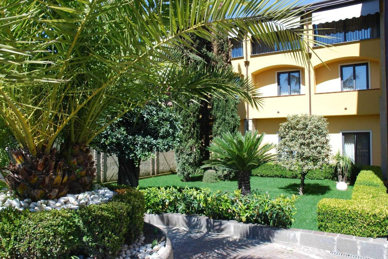 Camere con balcone vista giardino