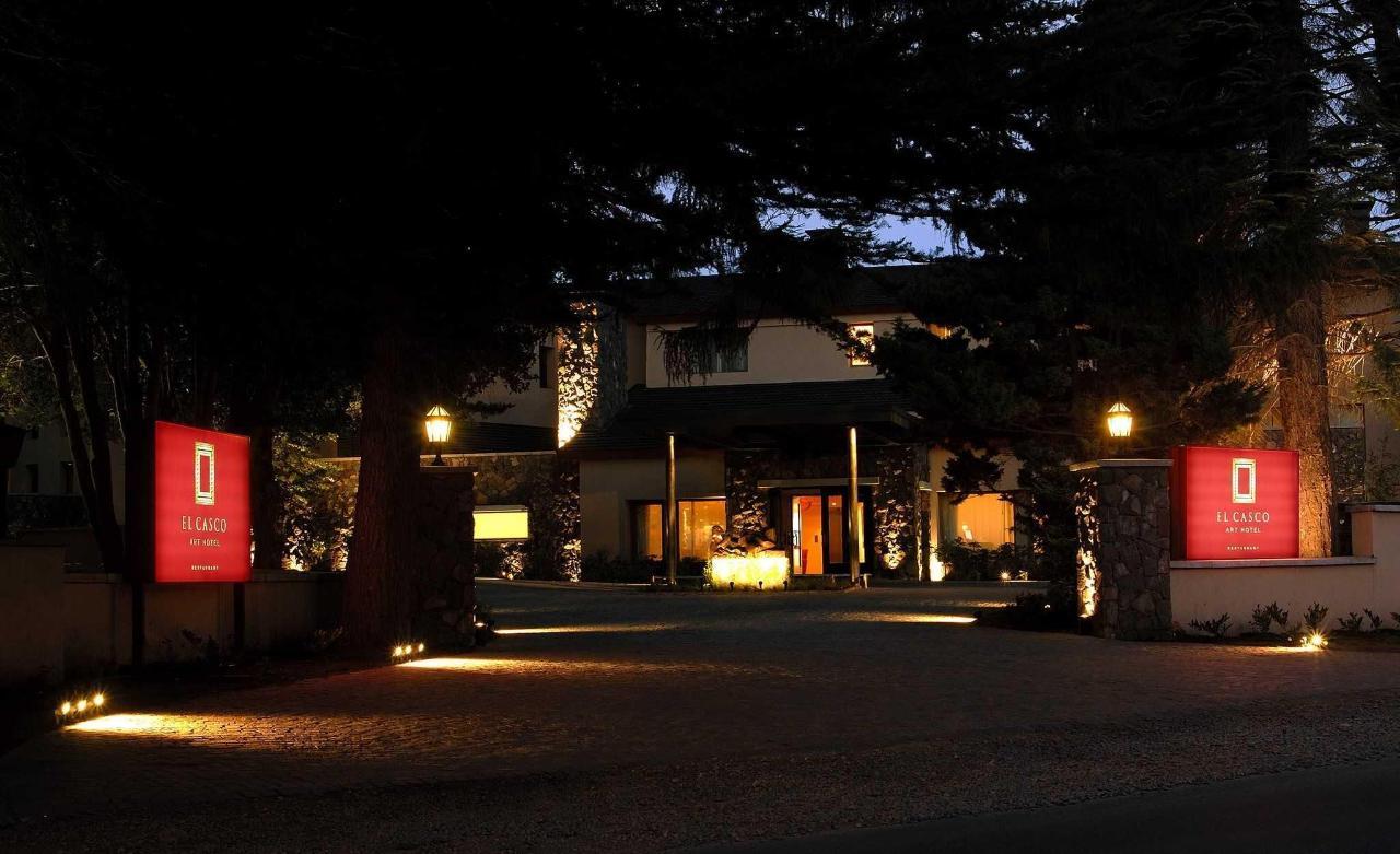 Entrance - El Casco Art Hotel.JPG