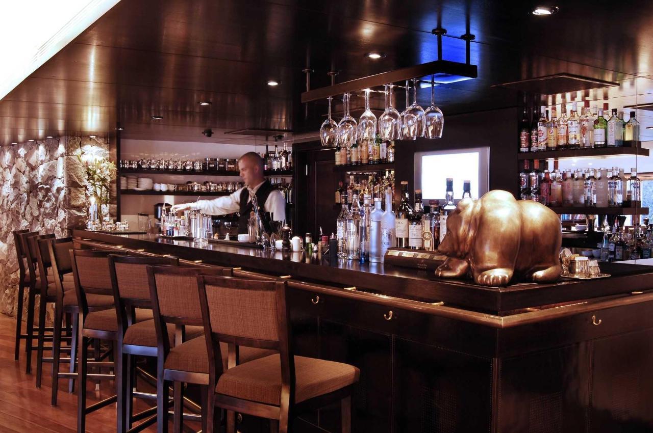 Bar - El Casco Art Hotel.JPG