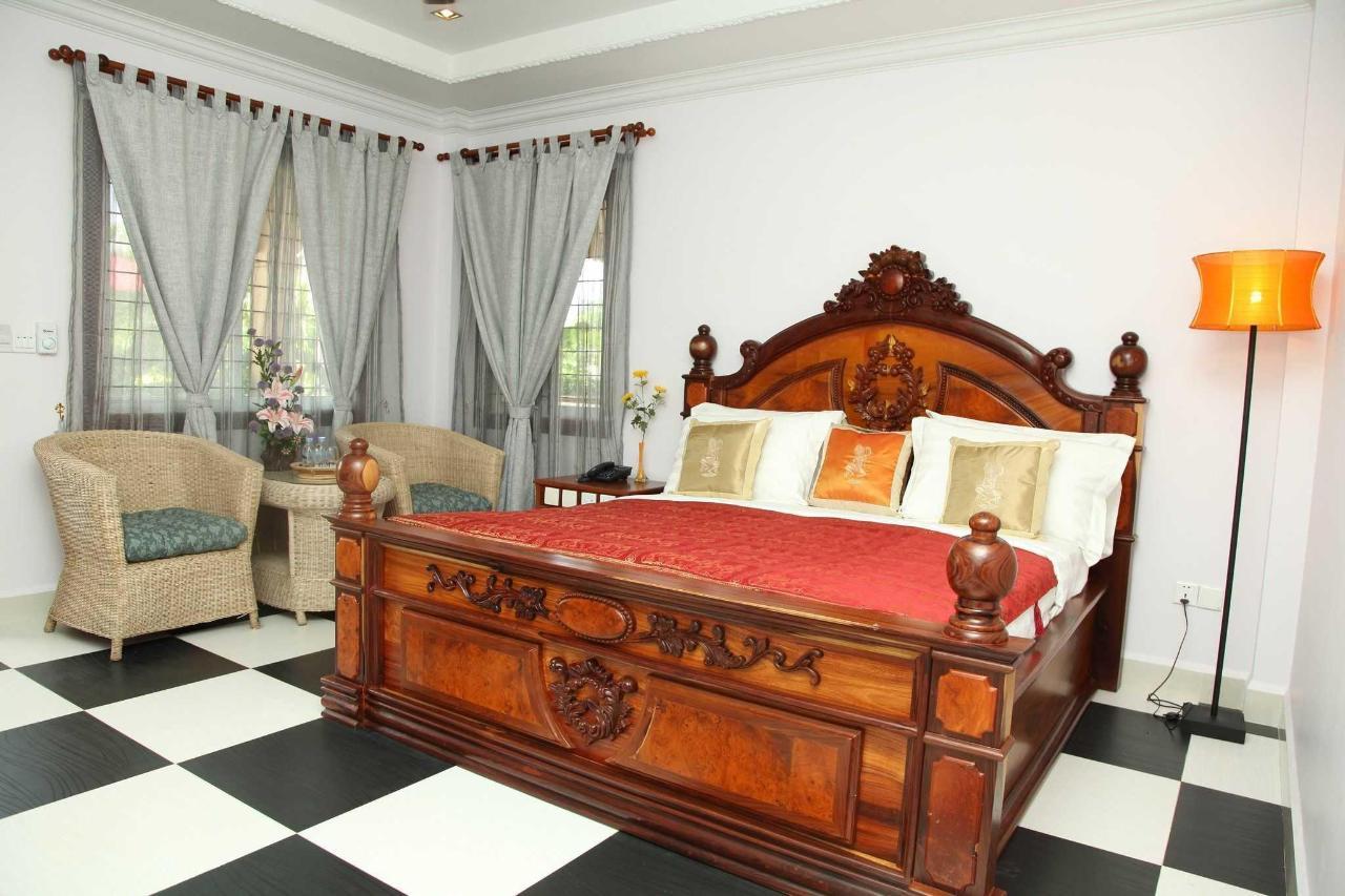 superior-king-room-1.JPG