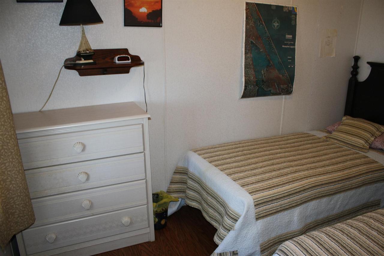 snook-bedroom-2.JPG.1920x0.JPG