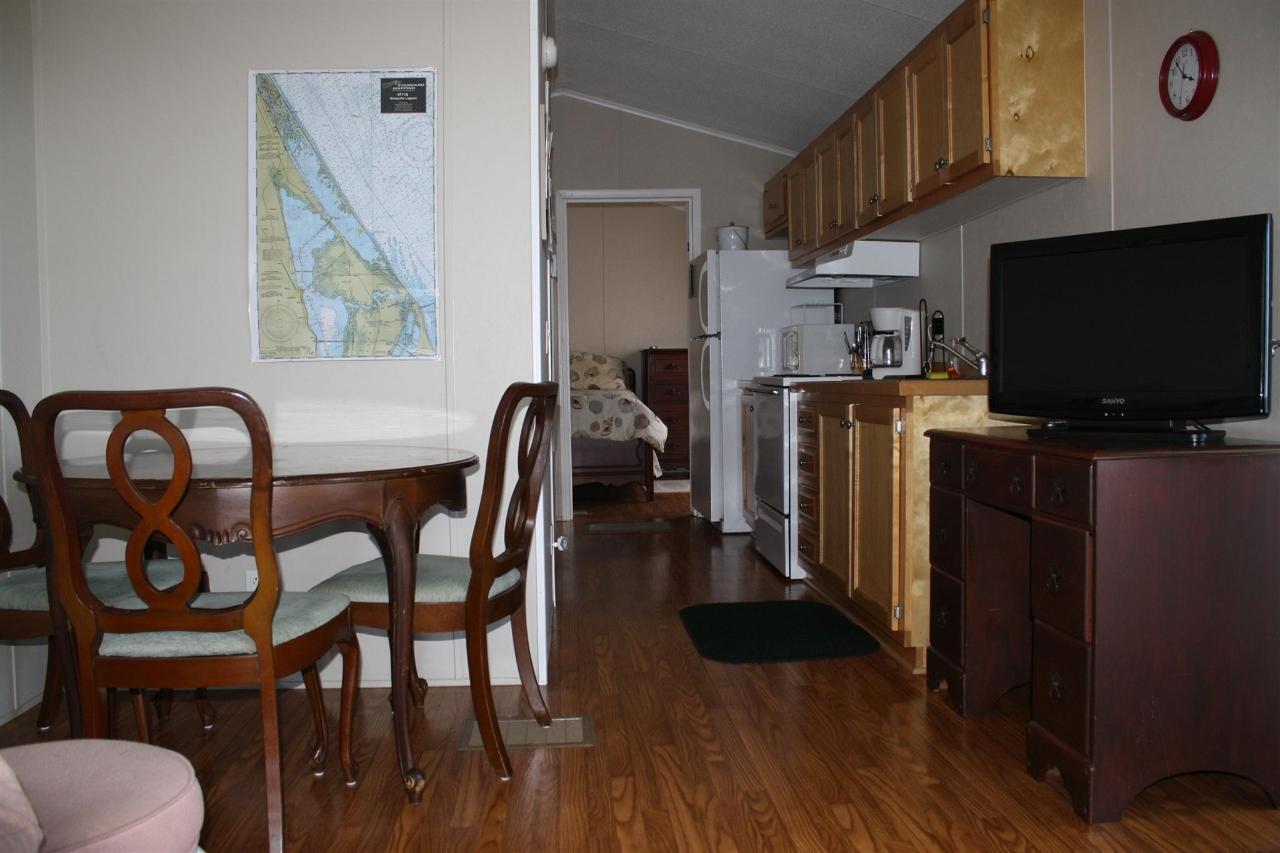 trout-kitchen-living-room.JPG.1920x0.JPG