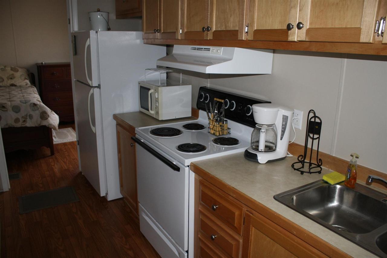 trout-kitchen-full.JPG.1920x0.JPG