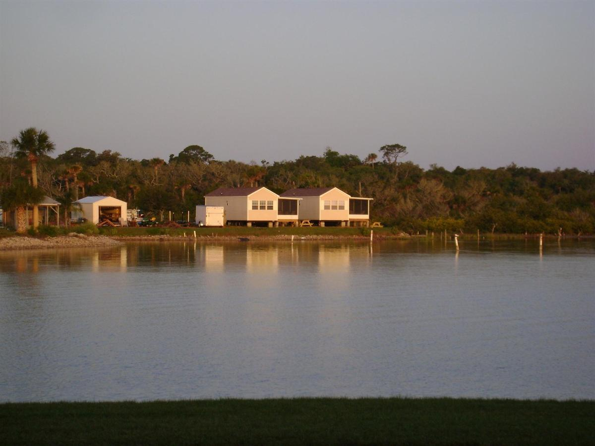 redfish-and-trout-cabins.JPG.1920x0 (1).JPG