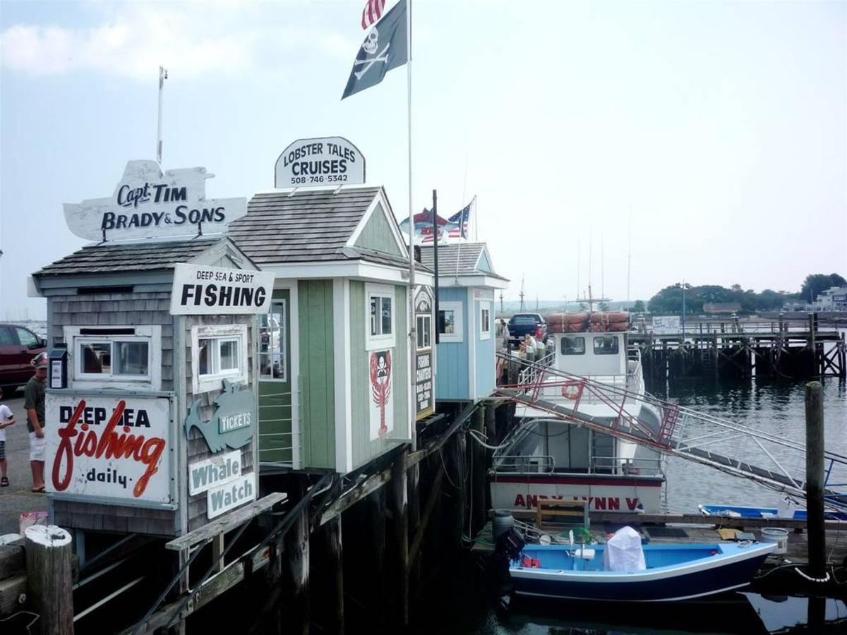 town-wharf-kiosks.jpg.1024x0.jpg