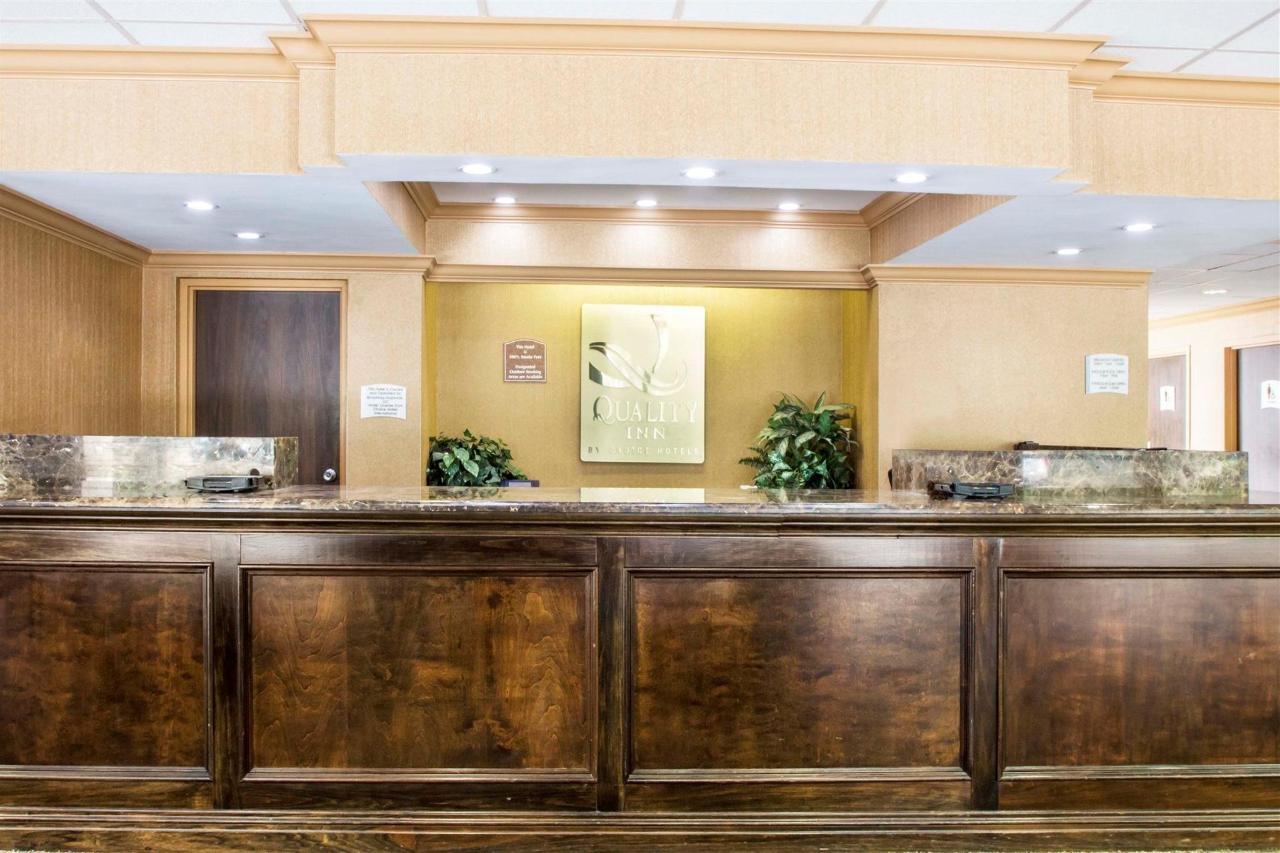 lobby-4-3.jpg