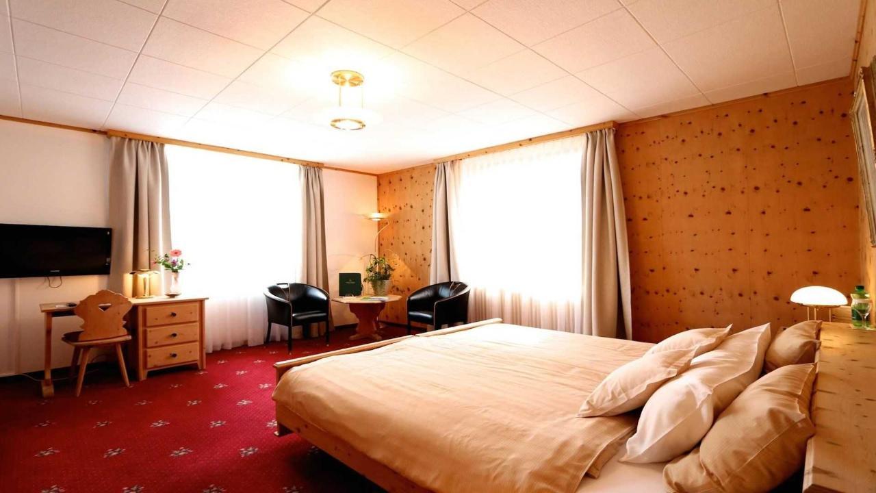 Doppelzimmer Superior Panorama.jpg