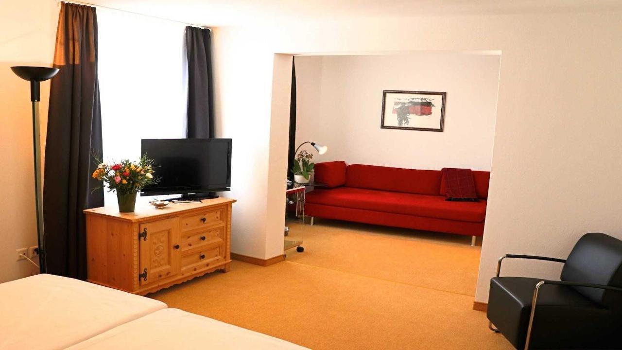Living room-Junior Suite.jpg