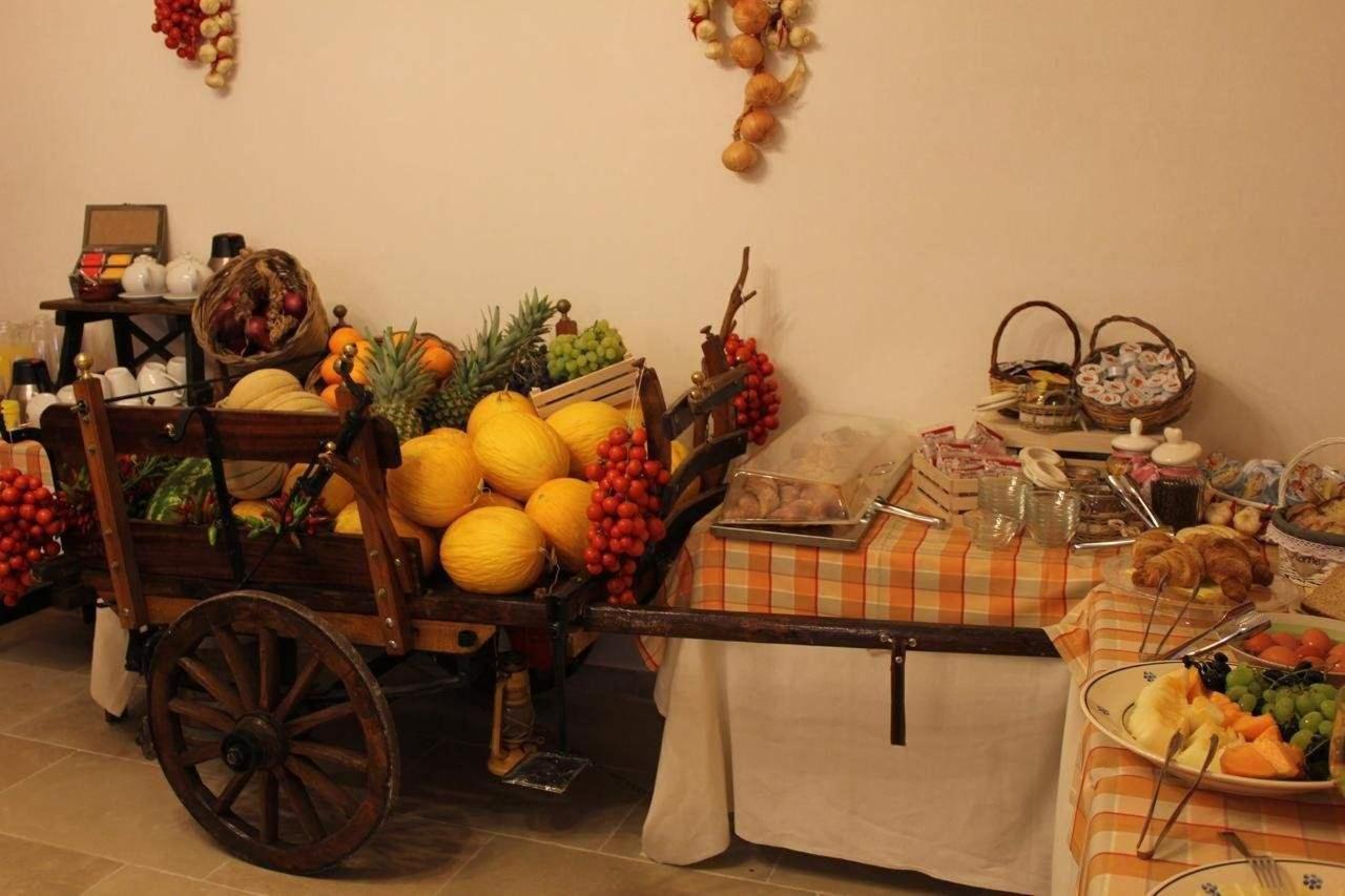 buffet tipico resort.jpg