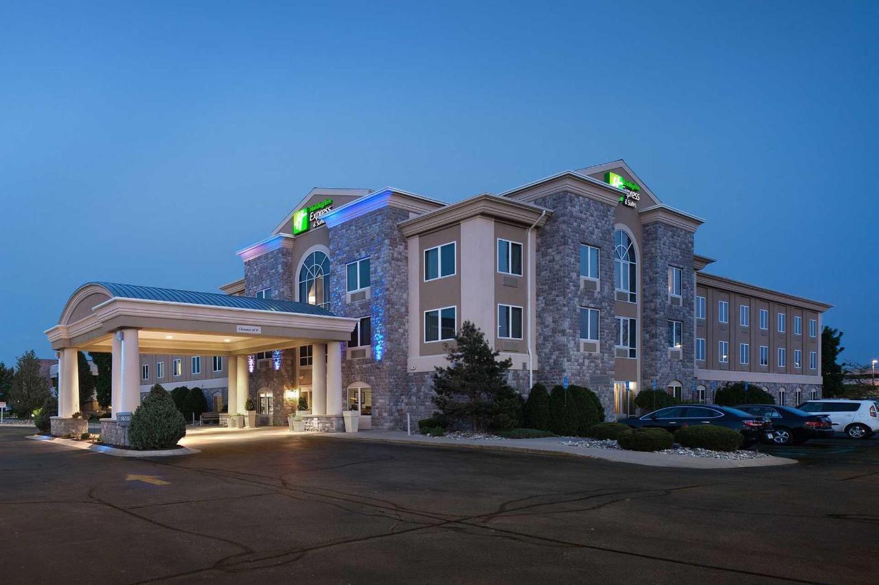 Holiday Inn Express Saginaw (5).jpg