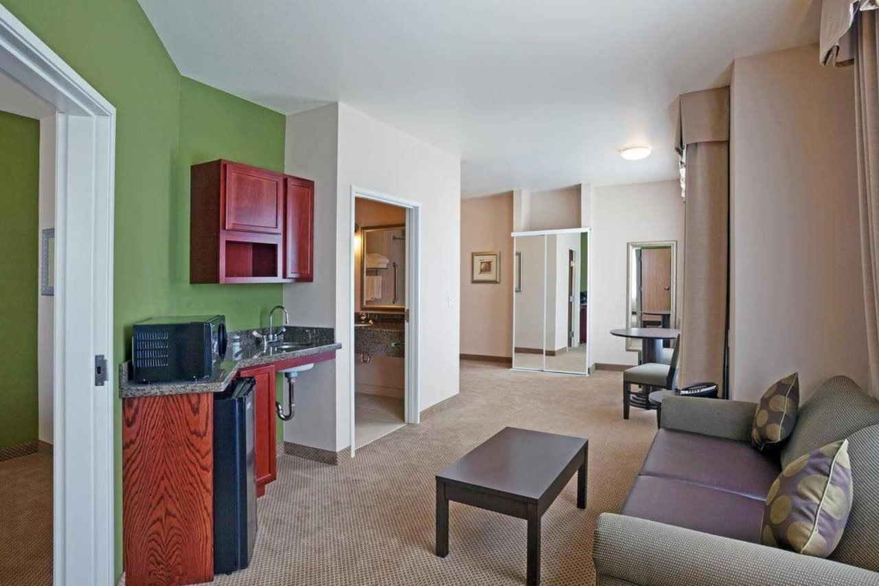 Featured Two Room Suite.jpg