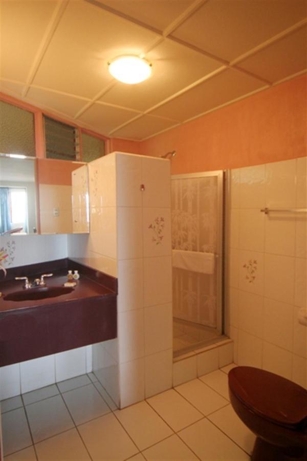 premium-bathrooms-sm.jpg.1024x0.jpg