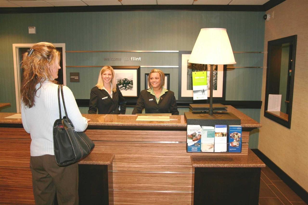 Hampton Inn Suites Flint Grand Blanc (4).jpg