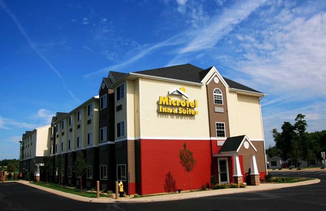 Microtel Inn Suites by Windham (3).jpg