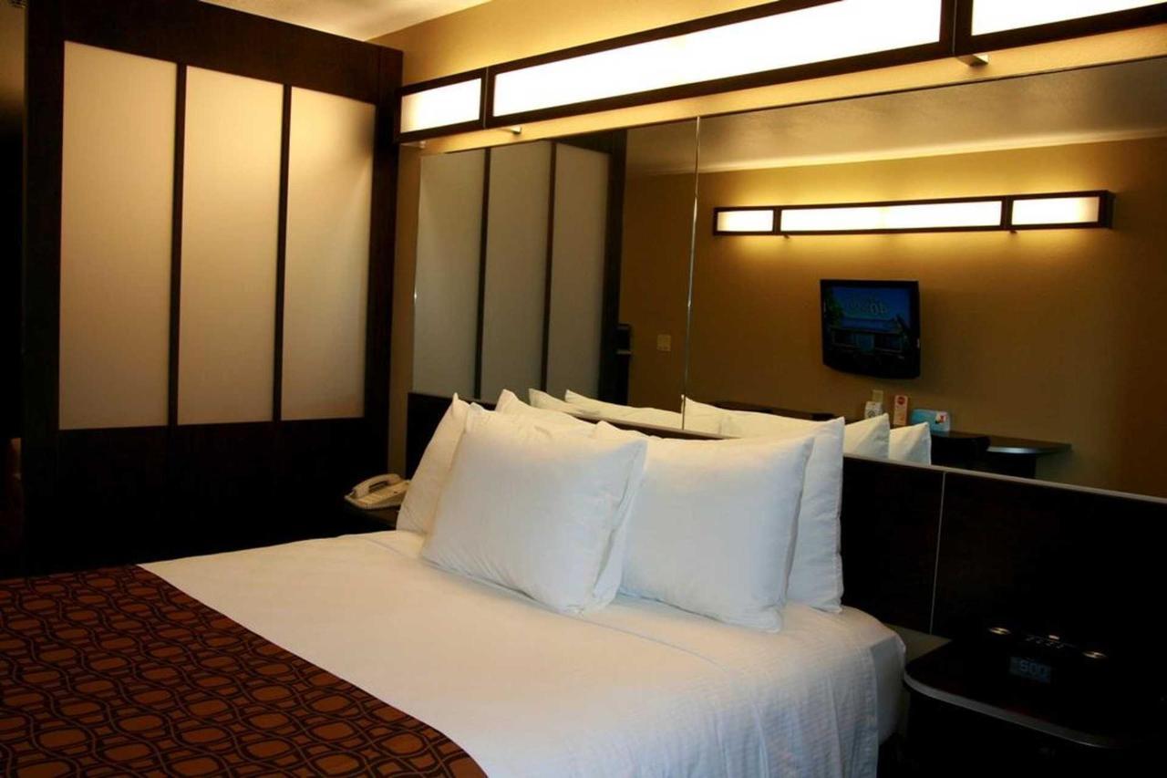 Microtel Inn Suites by Windham (6).jpg