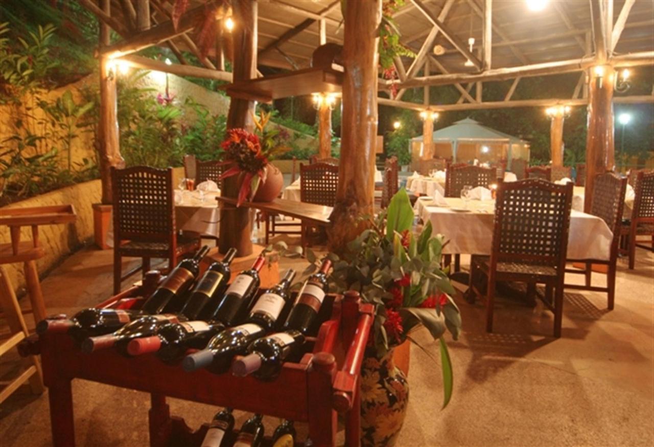 select-wines-bistro-restaurant-245k.jpg.1024x0.jpg