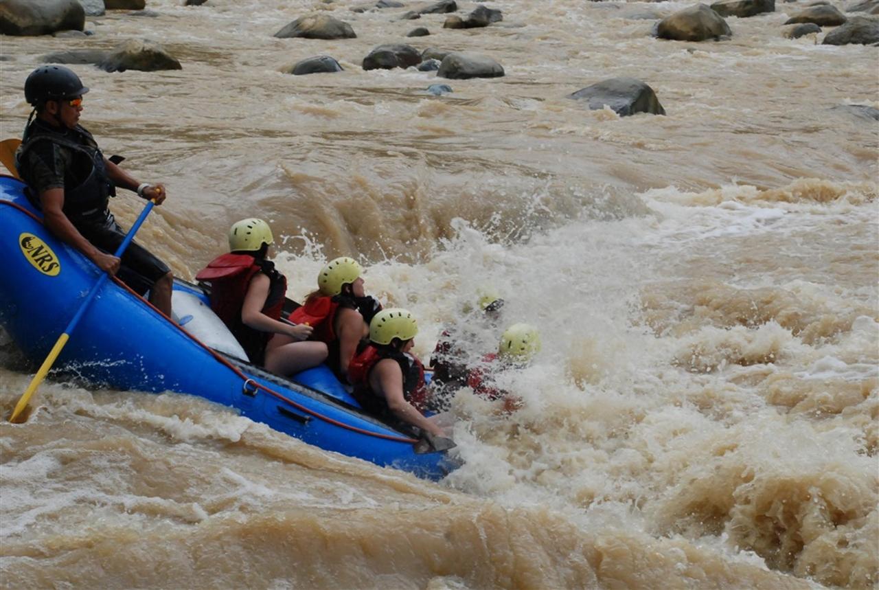 whitewater-rafting-300-dpi.jpg.1024x0.jpg