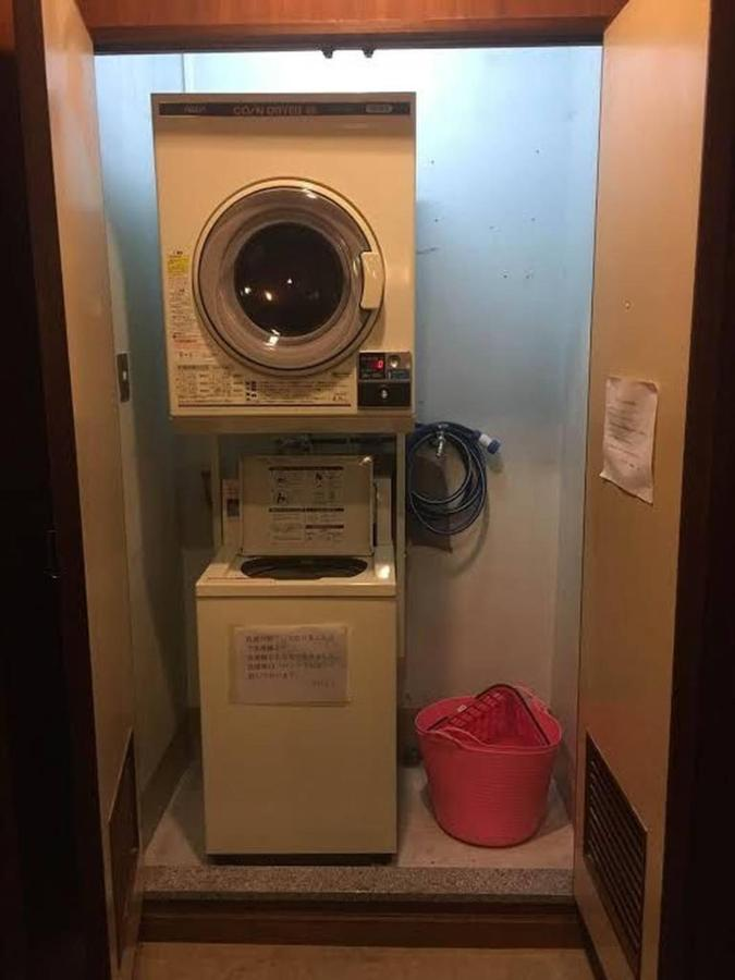 coin-laundry-in-third-floor.jpg.1024x0.jpg