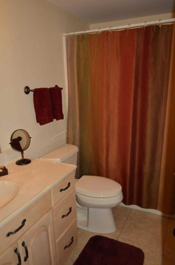 sr-conod-300-2nd-bath-and-shower.jpeg.1920x0.jpeg