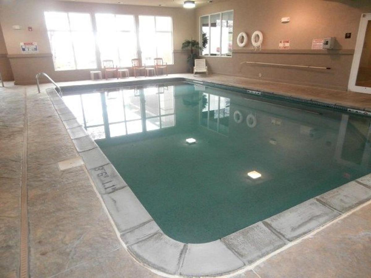 mo158-indoor-pool-6.JPG