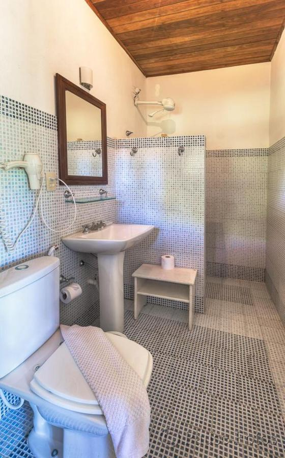 mls-bouganvillea-banheiro.jpg.1024x0.jpg