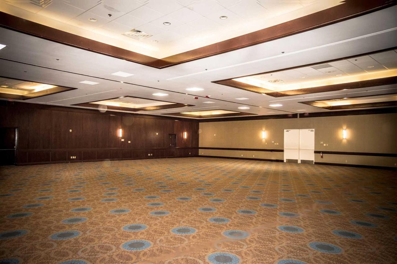 plano-ballroom-bare.jpg.1920x0.jpg