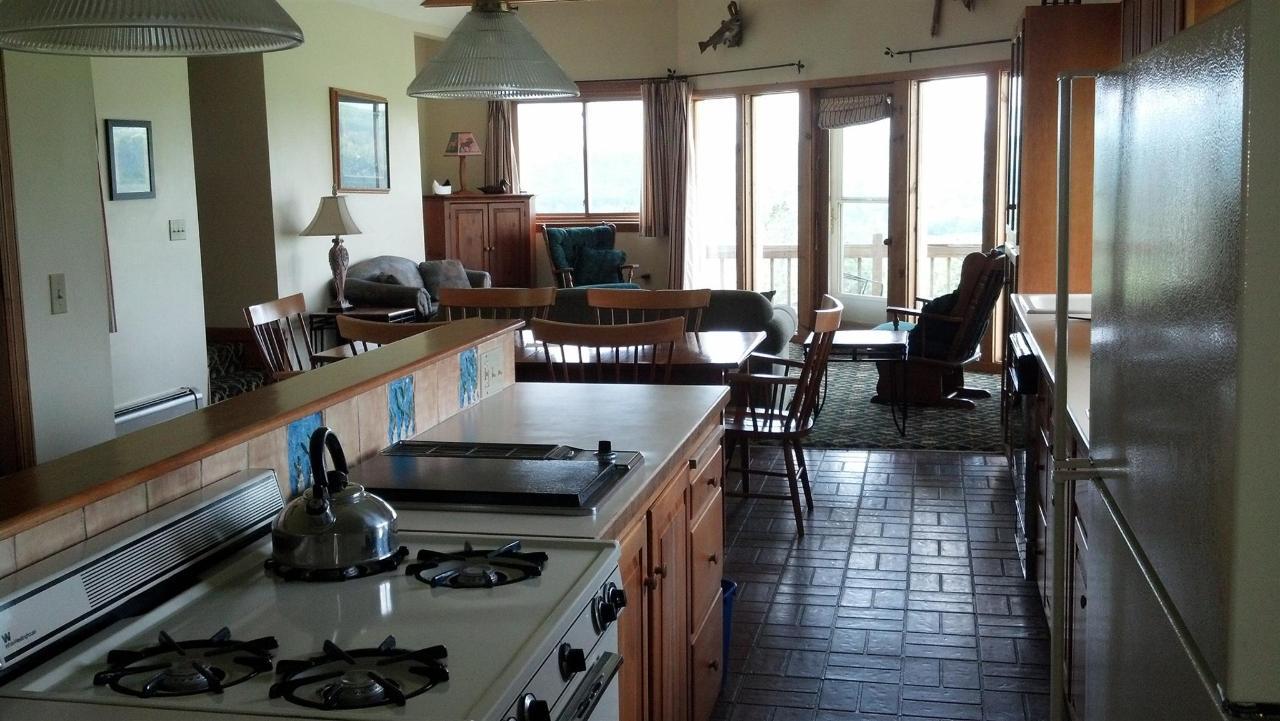 granary-kitchen.jpg.1920x0.jpg