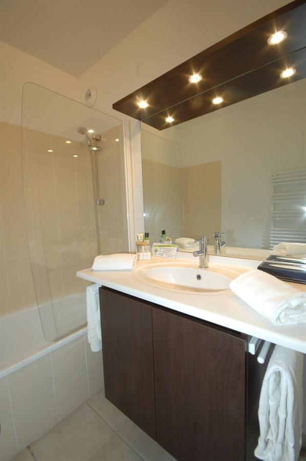 fr476-quality-hotel-du-golf-montpellier-juvignac-juvignac-bathroom4.jpg