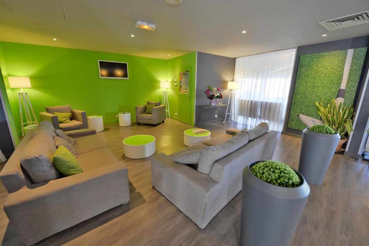 fr476-quality-hotel-du-golf-montpellier-juvignac-juvignac-lounge-reception3.jpg