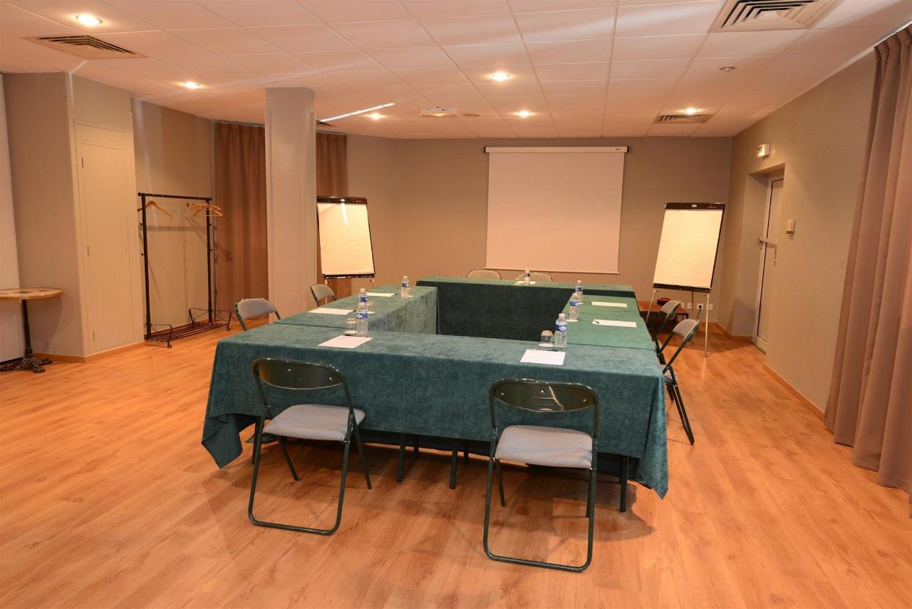 fr476-quality-hotel-du-golf-montpellier-juvignac-juvignac-seminars-room2.jpg
