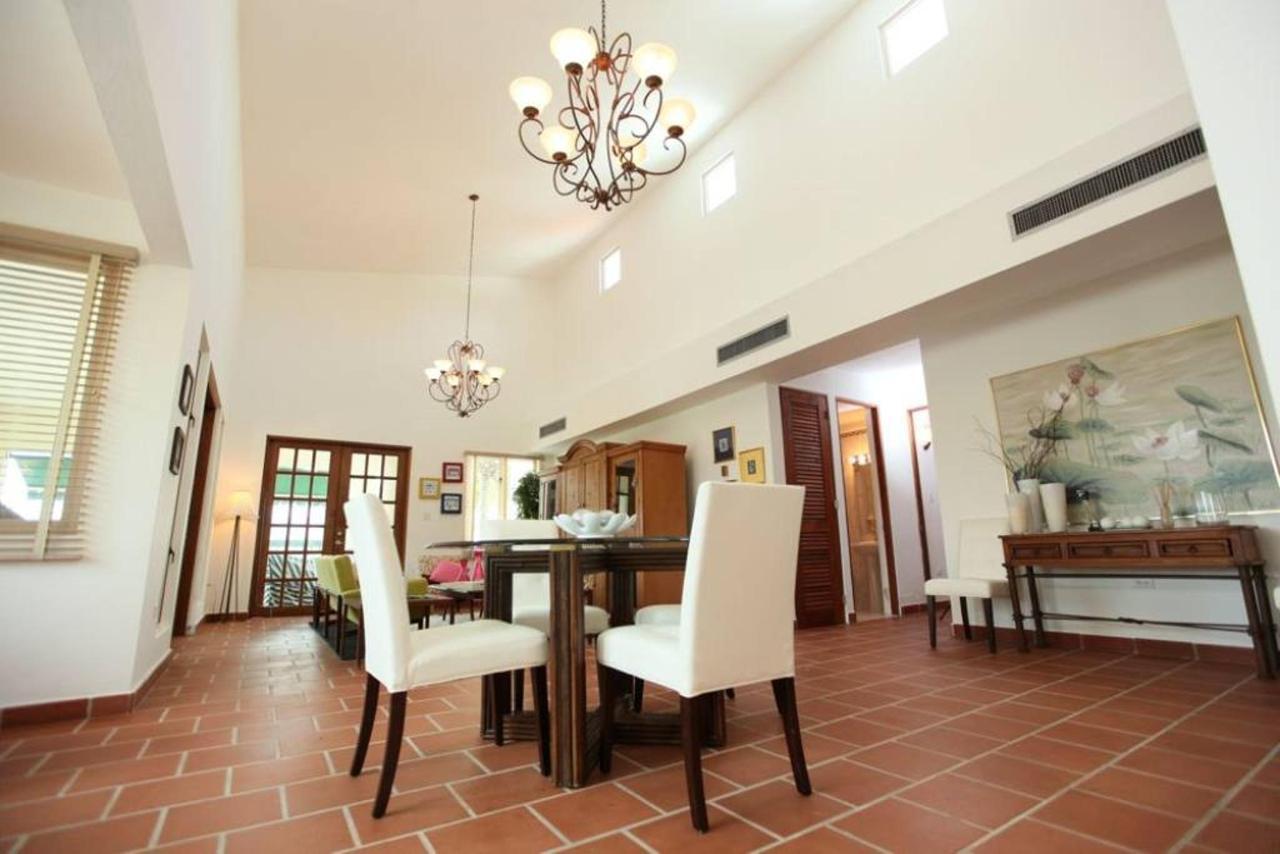 Luxurious Spanish Style Villa_CVR.jpg