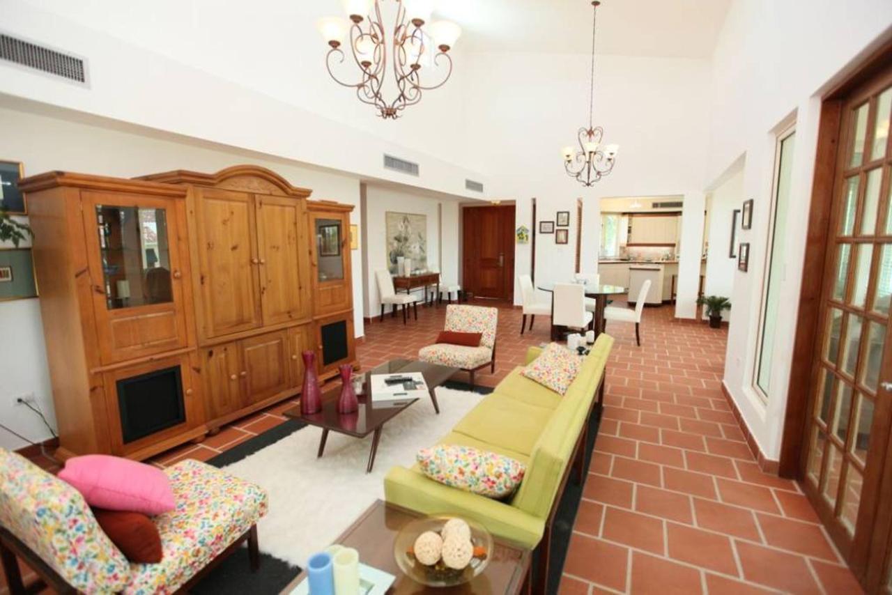 Luxurious Spanish Style Villa_CVR2.jpg