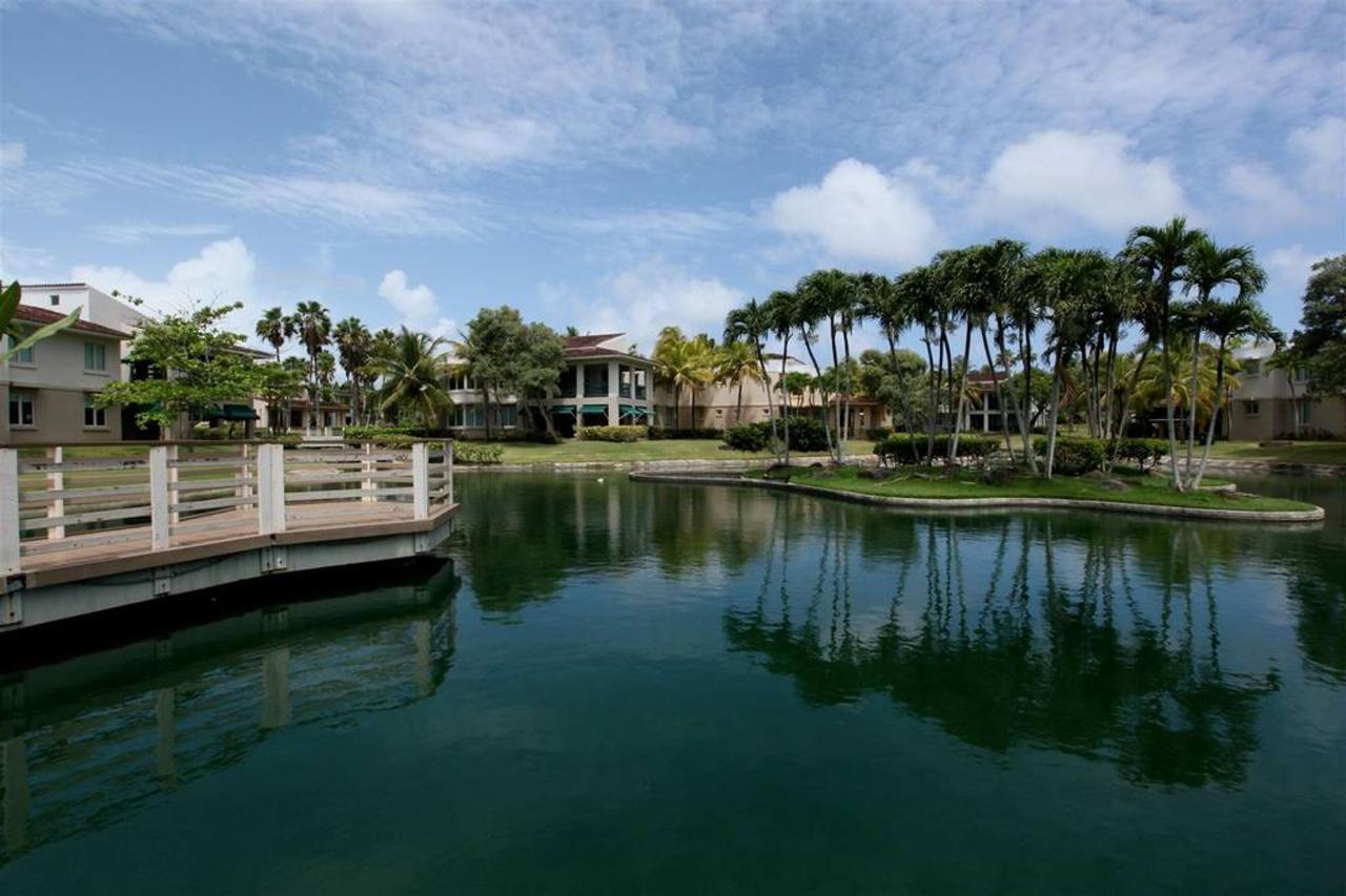 Luxurious Spanish Style Villa_CVR22.jpg
