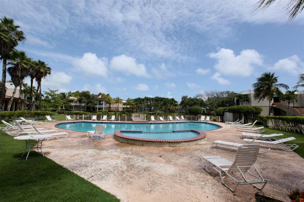 Luxurious Spanish Style Villa_CVR25.jpg