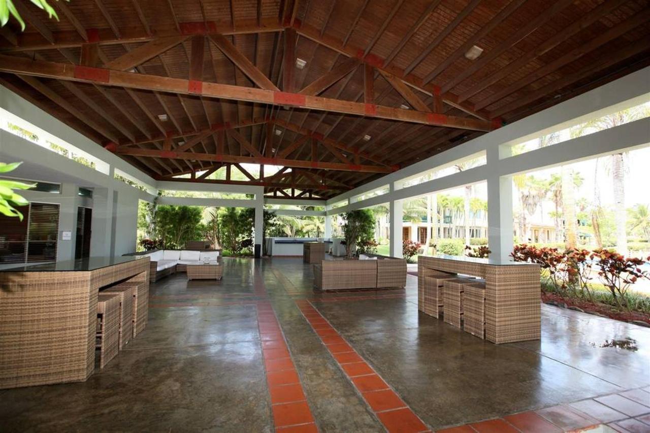Luxurious Spanish Style Villa_CVR27.jpg