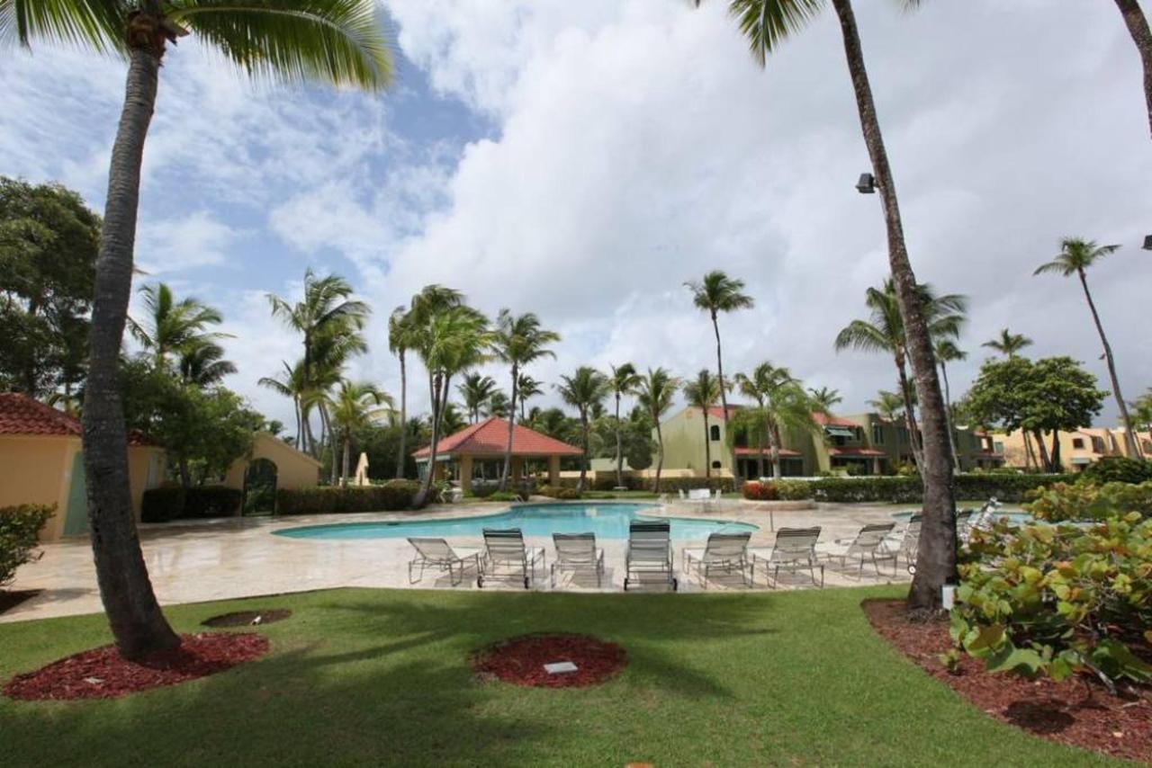 Luxurious Community Private Beach_CVR27.jpg