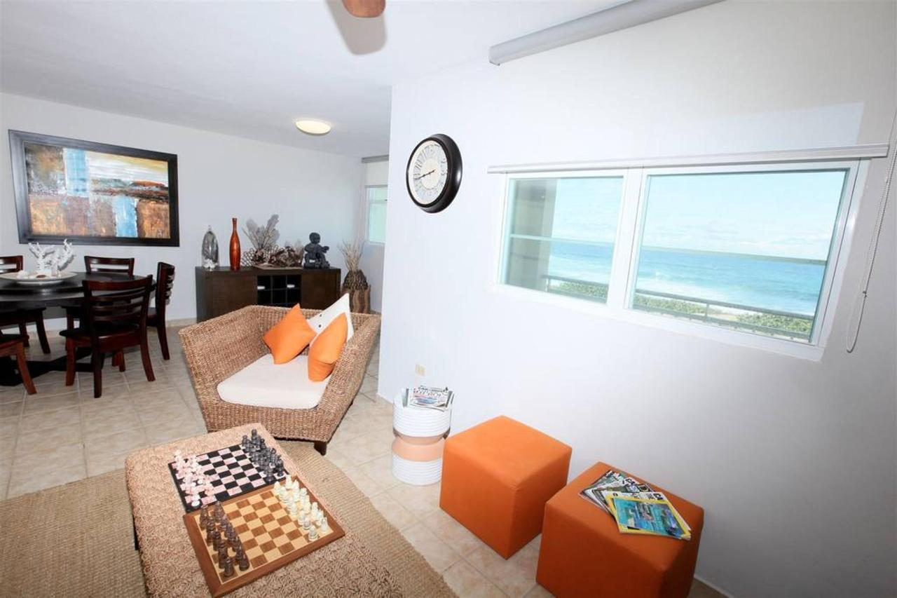 Captivating Penthouse with Ocean View_CVR16.JPG