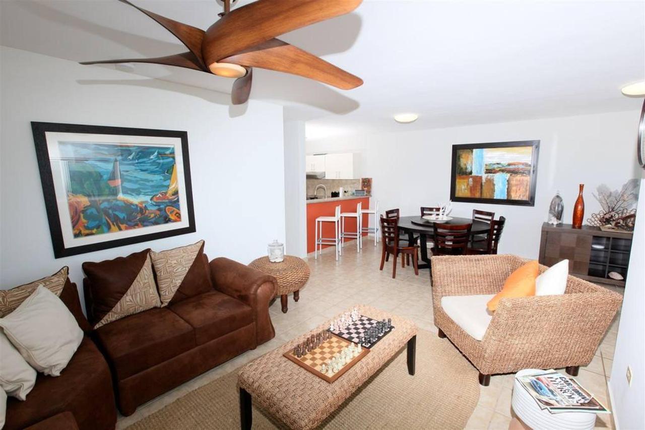 Captivating Penthouse with Ocean View_CVR17.JPG