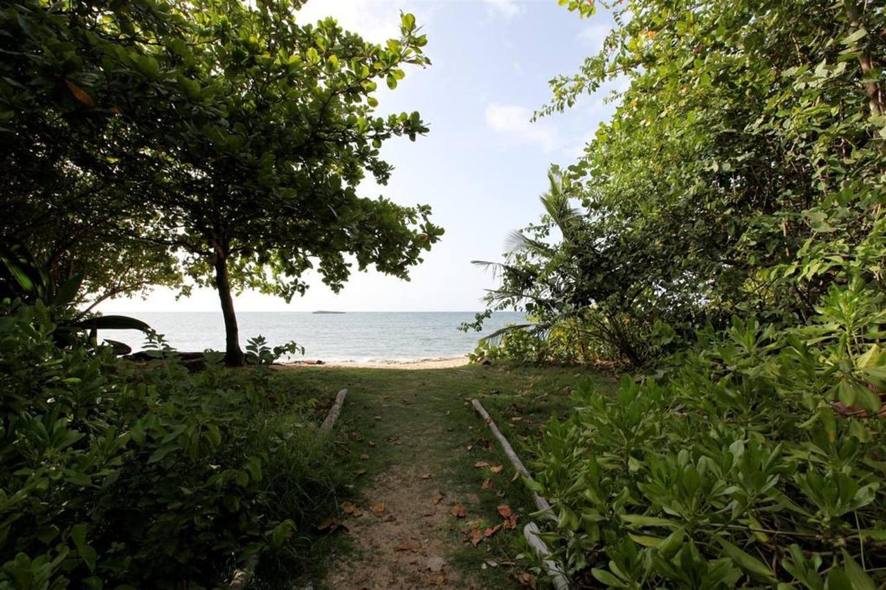 Private Beachfront Chalet_CVR26.JPG