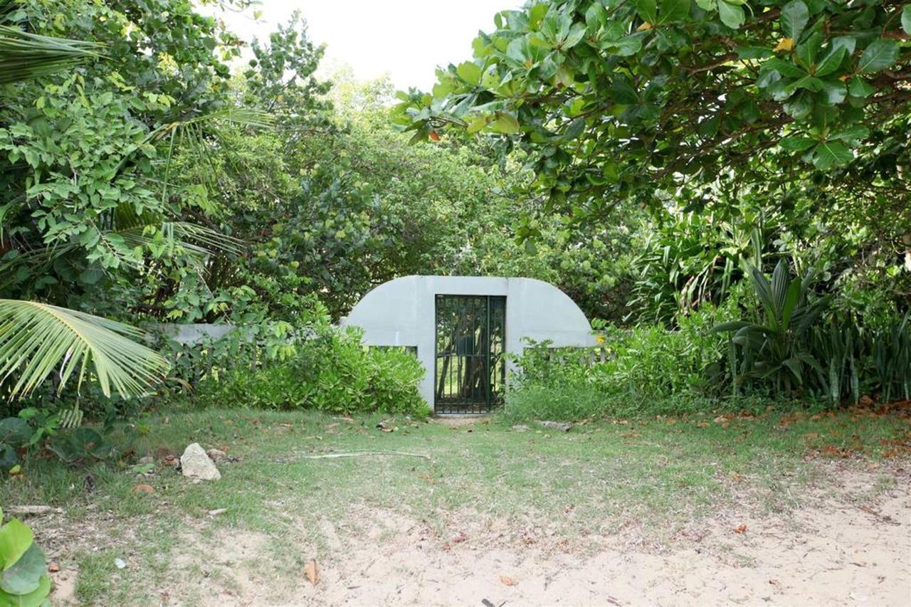 Private Beachfront Chalet_CVR25.JPG
