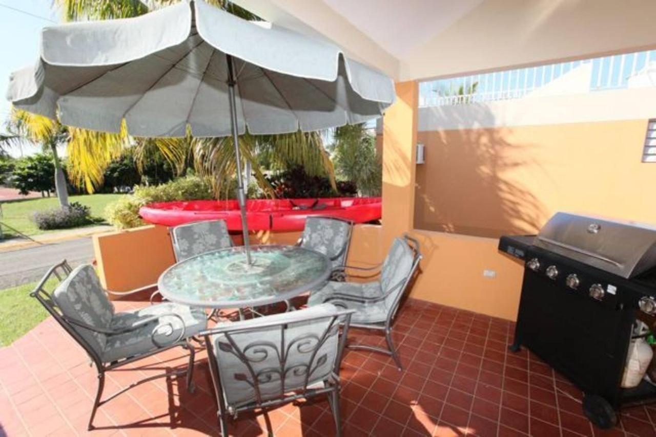 Modern Villa with Beach Proximity_CVR14.jpg