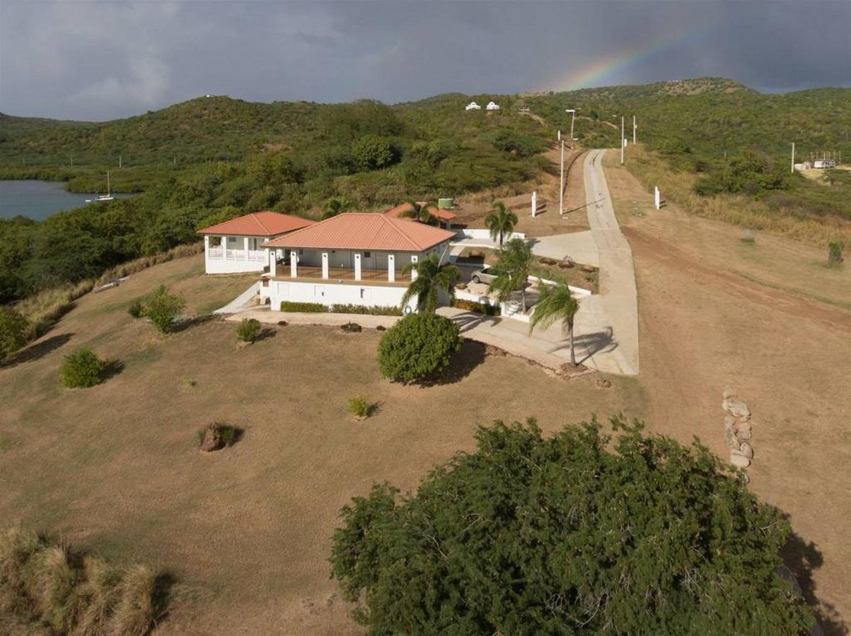 Bella Vista Estates_CVR34.jpg